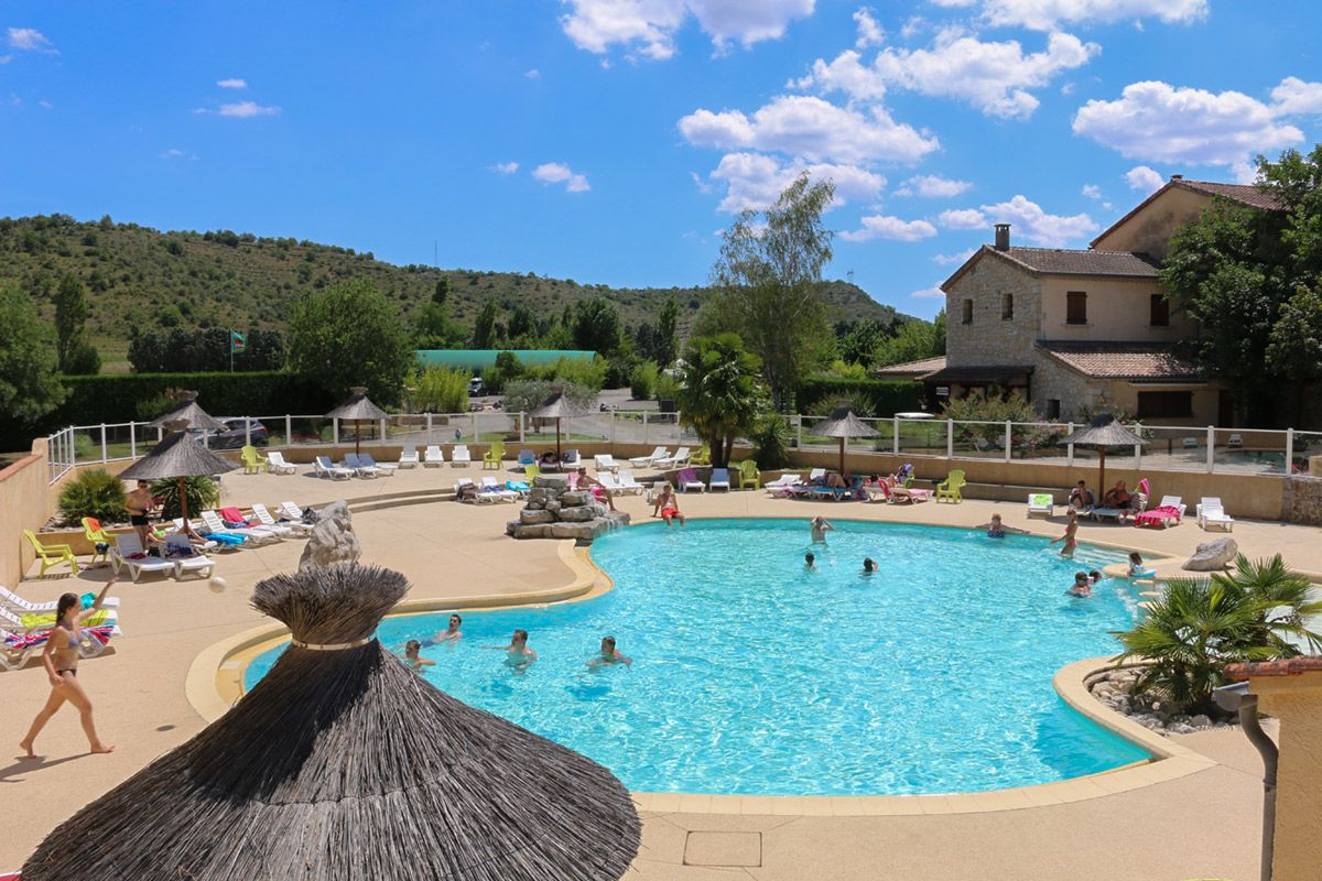 Camping avec piscine sud ard che camping 4 toiles avec - Camping la tremblade avec piscine ...